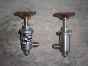 Арматура для вакуумных систем, фланцы и клапаны - купить вакуумные фланцы, вакуумные клапаны, арматуру стандарта KF и ISO